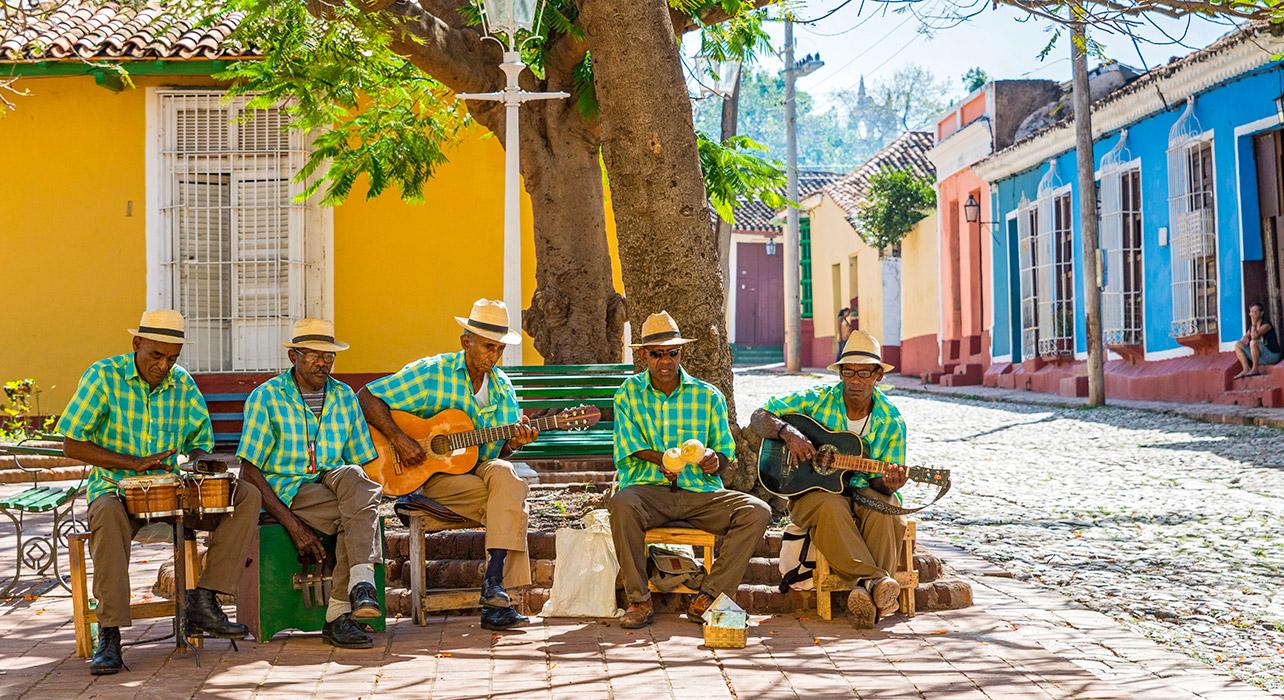 Tour Cuba – Nắng rực trời tơ và biển ngọc