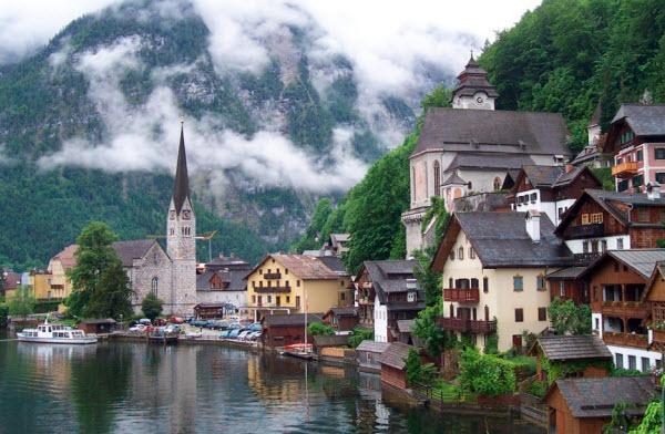 Tour Đông Âu 9 ngày : Ý – Slovenia – Áo – Séc