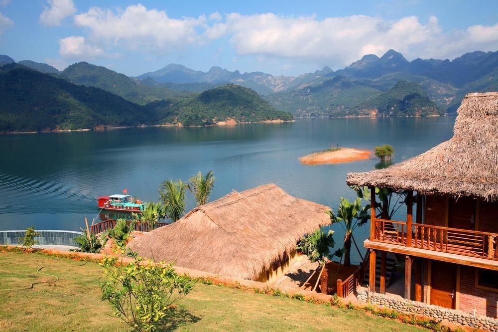 Free & easy  : Thiên đường xanh giữa lòng hồ Hòa Bình- Mai Chau hideAway lake resort