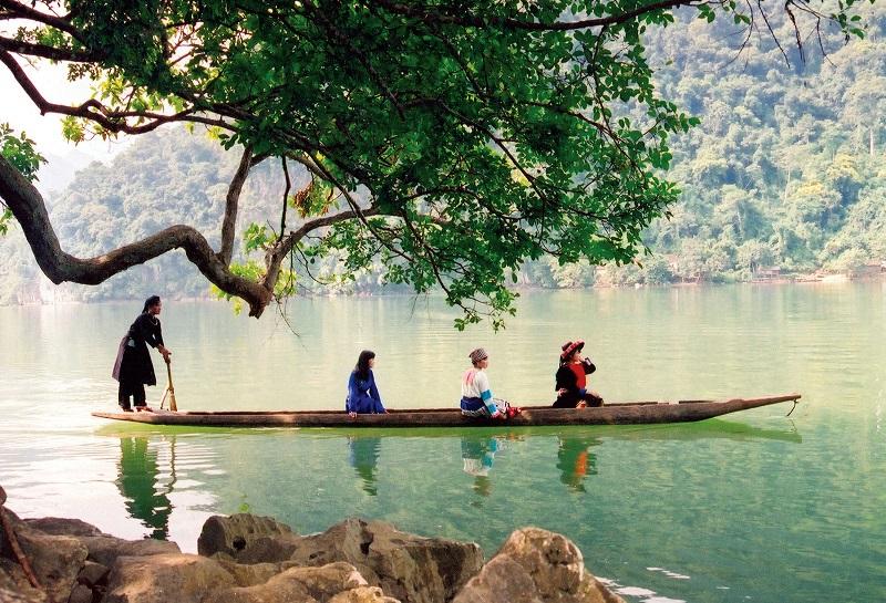 Tour 2N1D : Hà Nội – Hồ Ba Bể – Động Hua Mạ