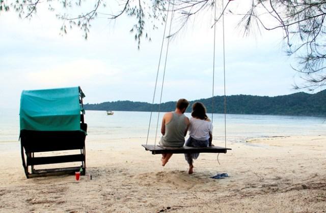 Tour du lịch Sihanoukville- Bãi biển Ochheuteal – biển đẹp nhất Campuchia