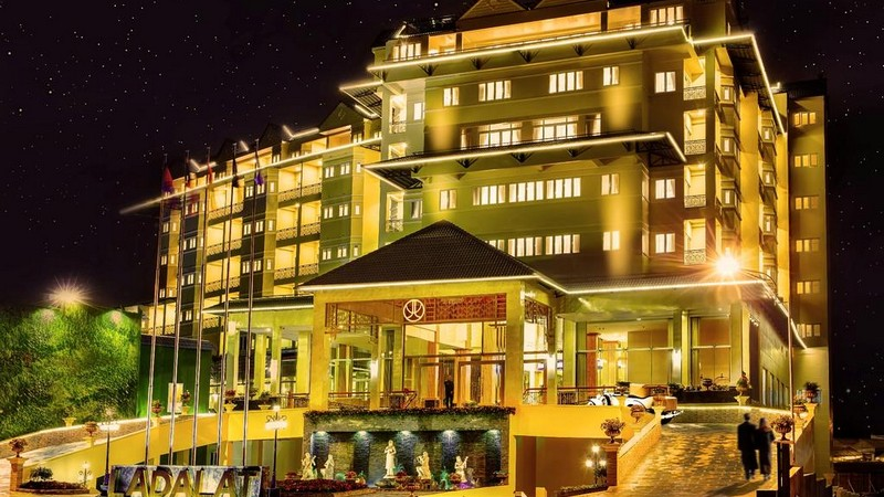 Khách Sạn LADALAT 5*