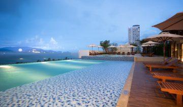 3N2Đ ở Vinpearl Condotel Beachfront Nha Trang 5 sao + Vé máy bay + Vui chơi Vinpearl Land không giới hạn + Ăn sáng chỉ 4.299.000 đồng