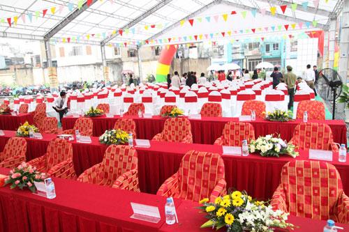 Chúng tôi cung cấp bàn ghế phục vụ các sự kiện