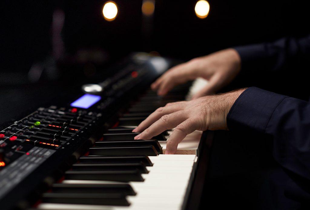 Dịch vụ cho thuê đàn Piano điện theo giờ Bamboo Vietnam Events music