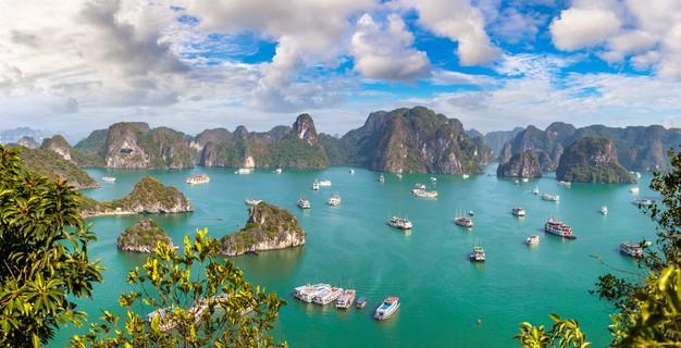 Từ ngày 1/10, những địa điểm du lịch nổi tiếng nào ở Việt Nam sẽ mở cửa đón khách trở lại?