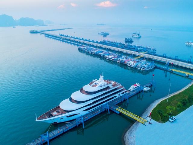 Top 6 du thuyền ngủ đêm sang trọng nhất Vịnh Hạ Long 2021